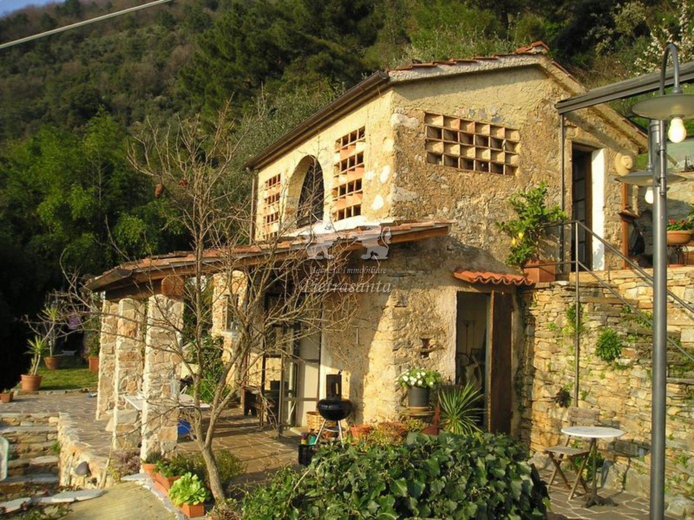 Rustico in vendita a pietrasanta il giardino d - Giardino d inverno prezzo ...
